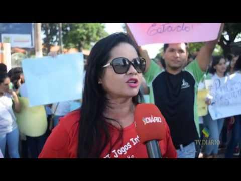 Manifestação de alunos e funcionários da escola Santina Rioli