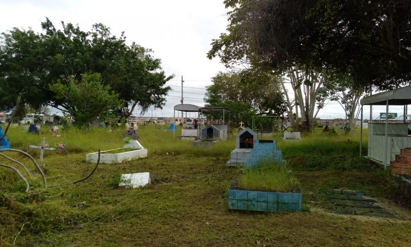 Iniciada limpeza do cemitério São Francisco